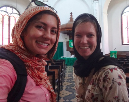 Emily and Amelia wearing their jilbabs at Gereja Blenduk in Semarang. (Emily Denny/Indonesiaful)