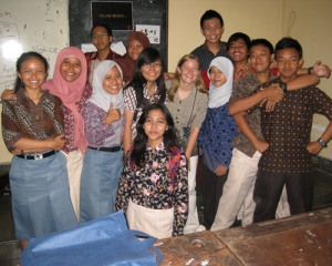 On Fridays, when school ends at 11:15 for Muslims' Friday prayer, students wear colorful batik shirts. The shortened school day also means that students are a little less likely to concentrate on their schoolwork and a little more likely to take pictures with their English Teaching Assistant! (Gillian Irwin/Indonesiaful)
