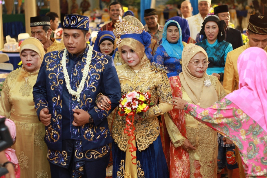 Indonesian Wedding Photography: Capturing Traditions in Indonesia  Indonesiaful