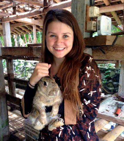 Annabelle Wilmott, placed in Yogyakarta, wearing a batik from Yogyakarta.