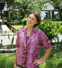 Emily Masters, placed in Palangkaraya, wearing an official SMAN 5 Palangkaraya batik.