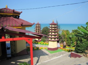 A hilltop Buddhist temple in Pangkal Pinang with inviting blue water of Pantai Tikus [lit. Rat Beach] below. Despite the unappealing name, this is one of the best beaches in Bangka.