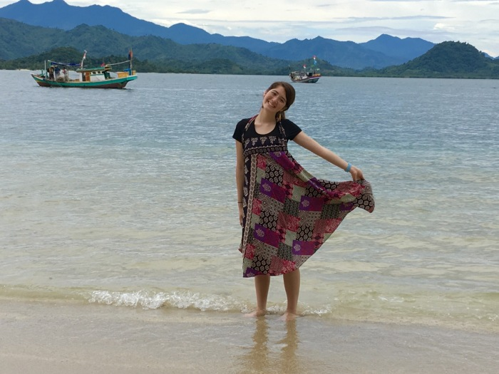 2-highs-and-lows-eta-sarahann-yeh-exploring-the-beaches-of-lampung