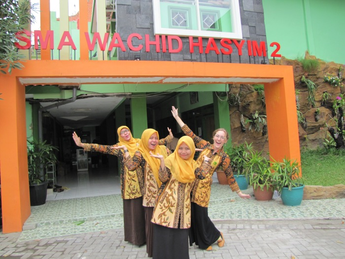 Meet the team at SMA Wachid Hasyim 2: Ibu Muammaroh, Miss Ony, Miss Nisa, and Miss Kelly.